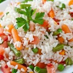 Été, régime alimentaire: perte de poids avec salade légère