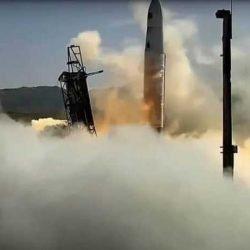 Le lancement échoue et la fusée d'Astra se déplace latéralement